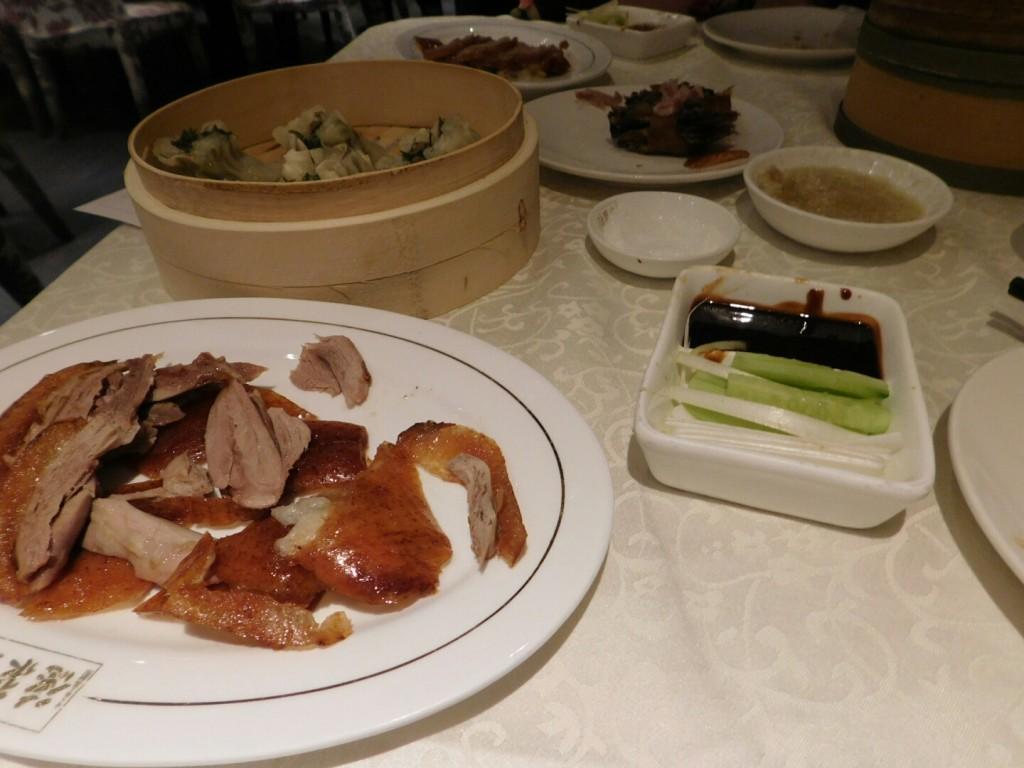 Pekingente mit Shaomai im Restaurant