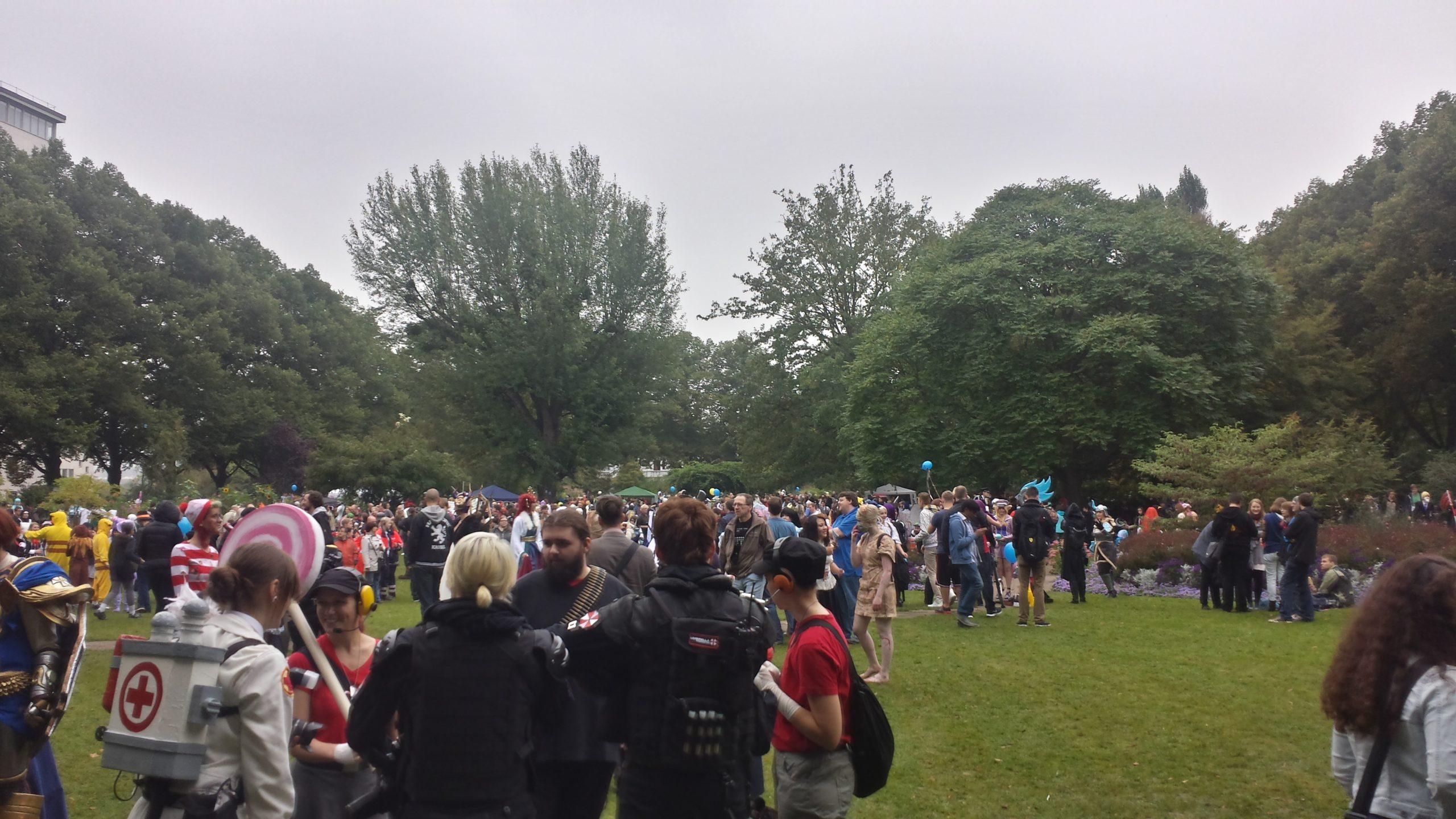 Trotz Regen waren viele Cosplayer und AniManGa-Begeisterte im Park und auf dem Gelände unterwegs.