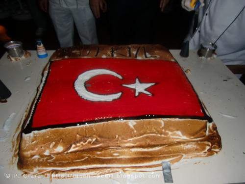 Riesige Torte am Türkischen Abend
