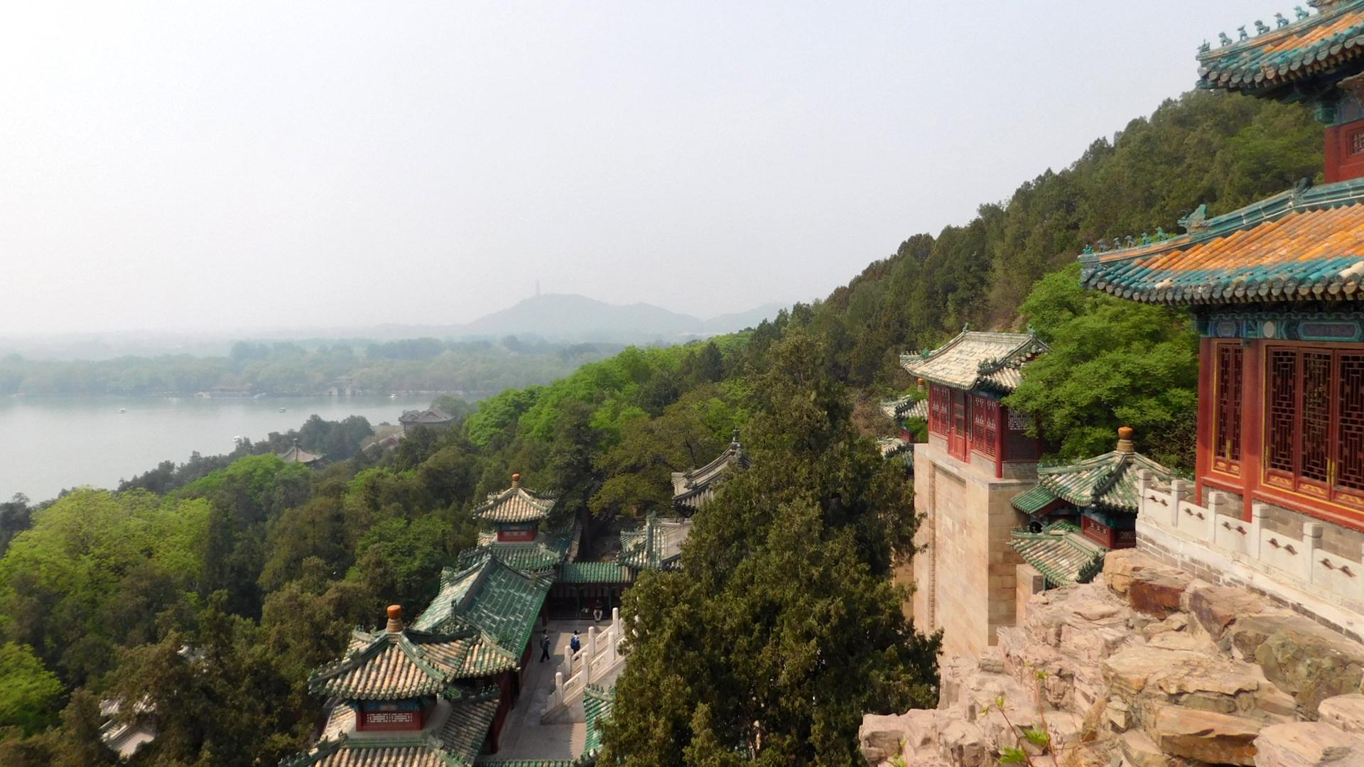 Direkt neben dem Pavilion of Buddhist Incense hat man eine schöne Sicht in die Natur